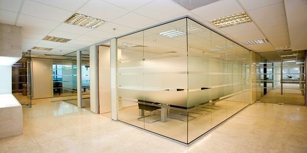 Không gian văn phòng với vách kính đẹp