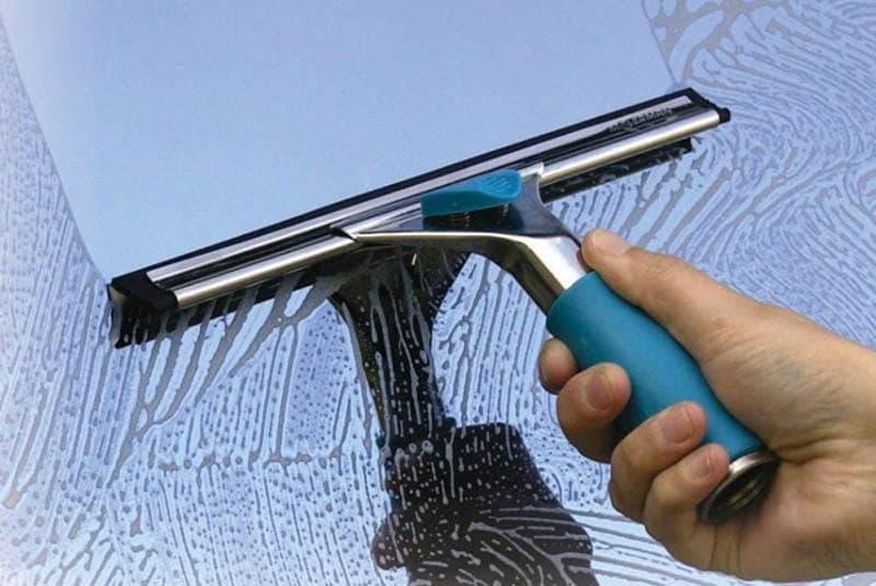 tuongkinhtkc12 - Cách vệ sinh kính sạch sẽ