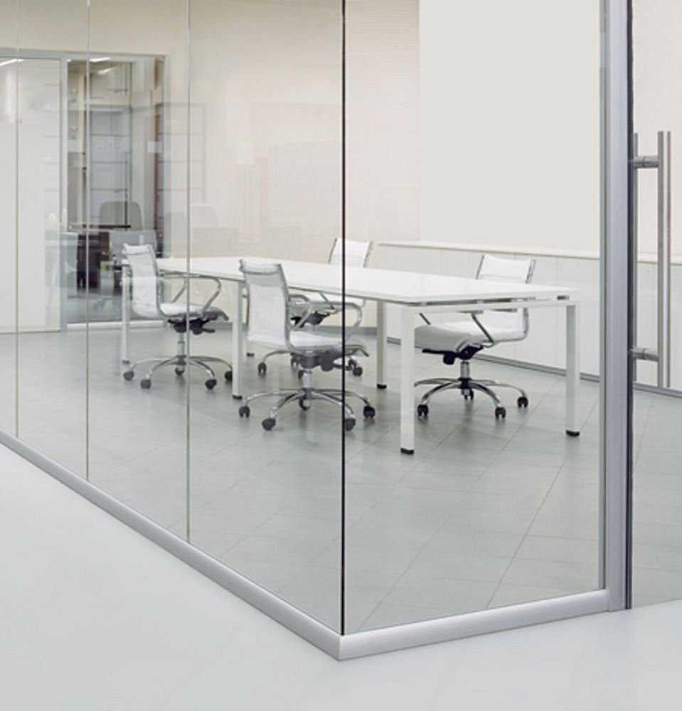 Sử dụng vách ngăn kính cường lực trong thiết kế văn phòng đem lại những lợi ích gì - Sử dụng vách ngăn kính cường lực trong thiết kế văn phòng đem lại những lợi ích gì?